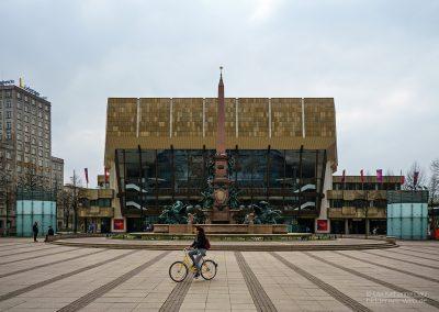 Gewandhaus mit Mendebrunnen, Leipzig