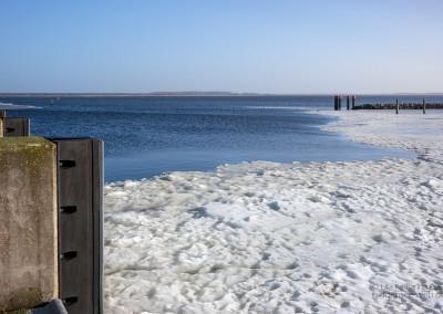 Eis im Hafen Kloster