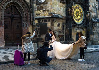 Hochzeitsshooting vor dem Prager Rathaus